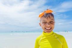 愉快海滩的子项 暑假概念 图库摄影