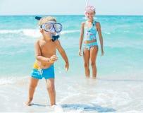 愉快海滩的子项 免版税库存图片