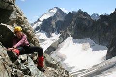 愉快登山人的女孩 库存照片