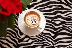 愉快的万圣夜咖啡 库存图片