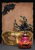 愉快的万圣夜蜘蛛和面具 库存图片