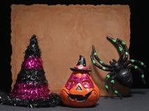 愉快的万圣夜蜘蛛和面具 免版税库存图片