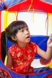 愉快的中国小女孩新年 免版税库存图片