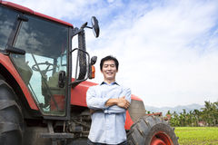 愉快的中间变老的亚裔农夫 免版税图库摄影