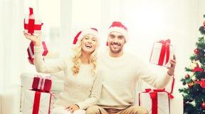 愉快的加上在家圣诞节礼物盒 免版税库存图片