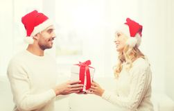 愉快的加上在家圣诞节礼物盒 免版税库存照片