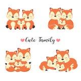 愉快的动物家庭 爸爸,妈妈,小狐狸动画片 皇族释放例证