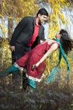 年轻愉快的印地安夫妇 图库摄影