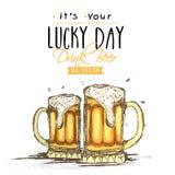 愉快的圣帕特里克的与啤酒杯的天庆祝 免版税库存图片