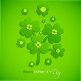 愉快的圣帕特里克的与幸运的叶子的天庆祝 库存图片