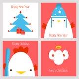 愉快的圣诞节和新年套与逗人喜爱的雄鸡、鸡蛋、树和礼物的卡片 免版税库存图片