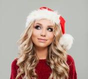 愉快的圣诞节妇女查寻的时装模特儿 免版税图库摄影
