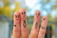 愉快的夫妇手指艺术  办公室浪漫史的概念 人们嘲笑他们 免版税库存图片