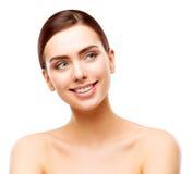 愉快的妇女秀丽面孔皮肤,美好的微笑的式样构成 免版税库存图片