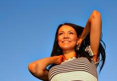 愉快的妇女年轻人 免版税图库摄影
