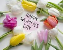 愉快的妇女s天郁金香 美丽的开花的郁金香花 背景背景卡片设计花卉例证 贺卡3月8日,国际妇女` s天 免版税库存照片