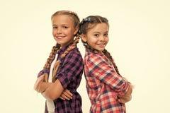 愉快的妹 r r o 友谊和妇女团体 孩子的 图库摄影
