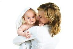 愉快的婴孩她的母亲 库存照片