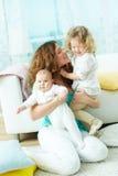 愉快的家庭生活 图库摄影