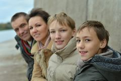 愉快的家庭 免版税图库摄影