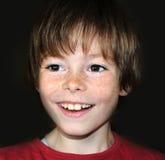 愉快的小男孩 免版税库存图片