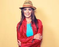 愉快的年轻女性模型 微笑的妇女时尚样式画象 库存照片