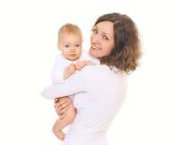 愉快的微笑的母亲和她的婴孩画象  图库摄影