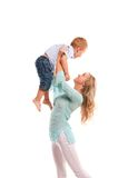 愉快的快乐的母亲纵向儿子 免版税库存照片
