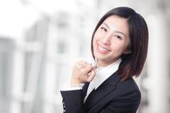 愉快的成功的女商人 免版税库存照片