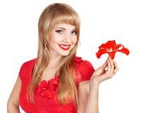 愉快的新白肤金发的妇女的照片 免版税库存照片