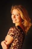 愉快的新白肤金发的妇女 免版税图库摄影