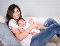 愉快的母性 免版税库存图片