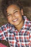 愉快的混合的族种非裔美国人的女孩孩子 免版税库存图片