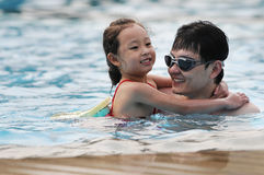 愉快的游泳 免版税库存图片