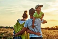 愉快的爱恋的家庭! 库存图片