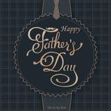 愉快的父亲节问候 封缄信片 导航与乱画领带、蝶形领结和玻璃的背景 库存照片