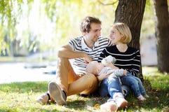 愉快的父母身分 免版税库存照片