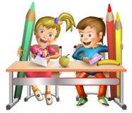 愉快的男孩和女孩在小学 免版税库存照片