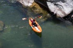 愉快的皮艇在洪都拉斯 免版税库存图片