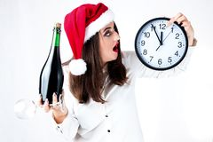 愉快的肥胖圣诞老人女孩 在圣诞老人帽子的一个模型 XXL妇女celebr 库存图片