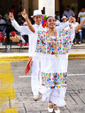 愉快的跳舞夫妇在梅里达尤加坦 库存图片