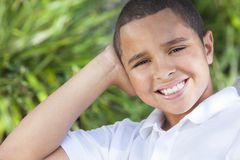 愉快的非洲裔美国人的男孩子项 免版税图库摄影