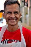 愉快的马来西亚人在Satok周末市场上快乐地微笑古晋沙捞越马来西亚 免版税库存照片