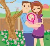 愉快的年轻加上新出生的婴孩 免版税库存照片
