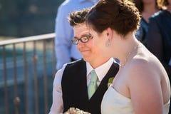 愉快的女同性恋的夫妇 库存照片