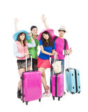 年轻小组享受暑假并且旅行 库存照片