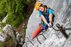 愉快的登山人 免版税库存照片