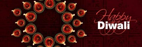 愉快的diwali贺卡陈列照亮了diwali灯或diya 免版税库存照片
