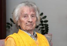 愉快的oldere妇女90 库存照片