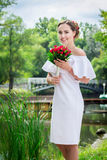 愉快美丽的新娘 免版税库存图片